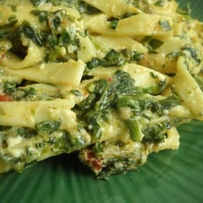Sun dried Tomato and Spinach Pasta @EclecticEveryday