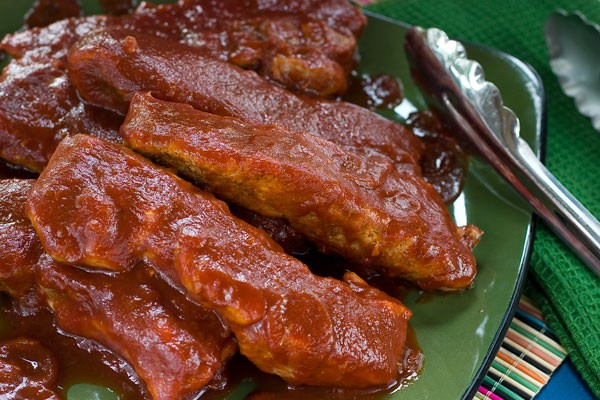 Country Style Ribs with Jack Daniels Barbecue Sauce by EclecticRecipes.com #recipe