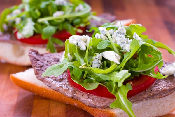 Eclectic Everyday » Steak Sandwich with Arugula and Gorgonzola Cheese
