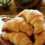 Homemade Crescent Rolls @EclecticEveryday