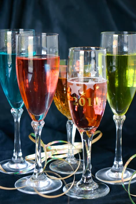 10 Champagne Cocktail Recipes by EclecticRecipes.com #recipe