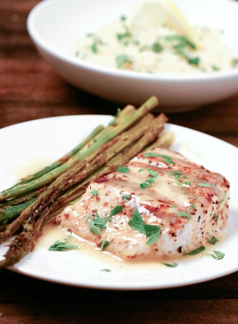 Grilled Mahi Mahi with Lemon Butter Sauce by EclecticRecipes.com #recipe
