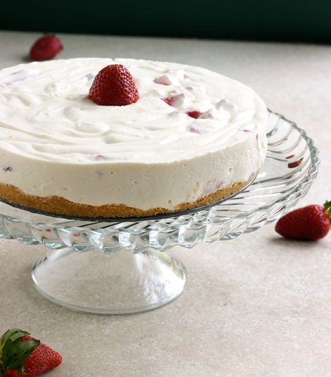 Eclectic Recipes » No Bake Strawberry Cheesecake