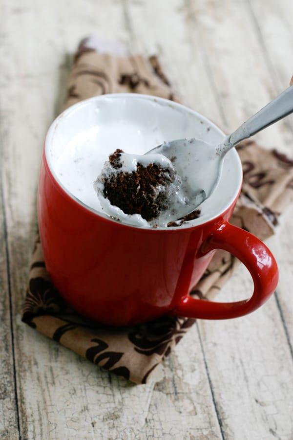 Chocolate Fluffernutter Mug Cake @EclecticEveryday