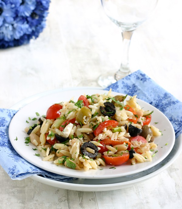 Orzo Salad with Cannellini Beans and Olives by EclecticRecipes.com #recipe