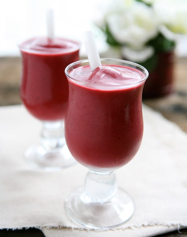 Blackberry Cherry Vanilla Smoothies @EclecticEveryday