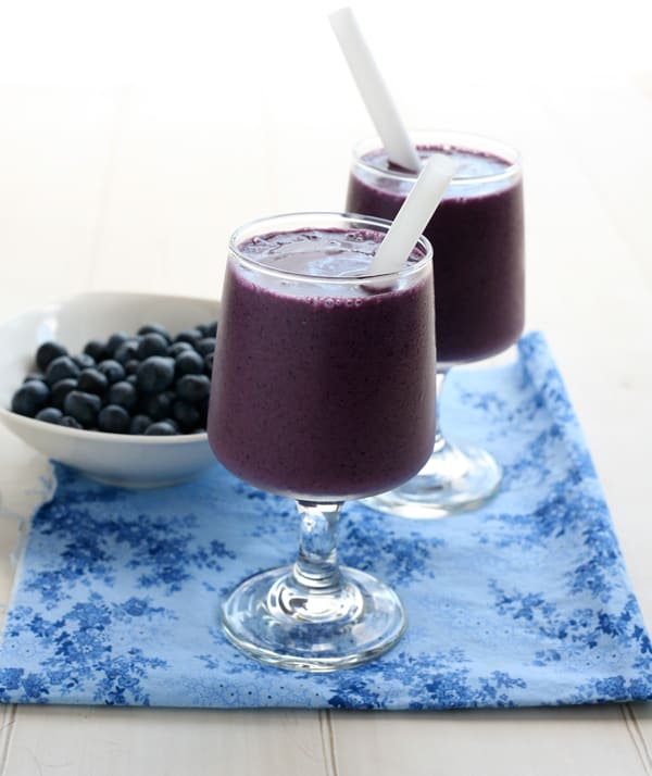 Blueberry Banana Smoothie @EclecticEveryday