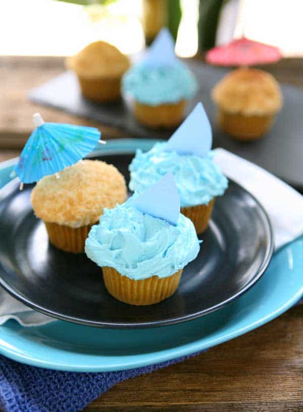 Sand and Sea Beach Cupcakes {Lemon Cupcakes with Buttercream Frosting} by EclecticRecipes.com #recipe