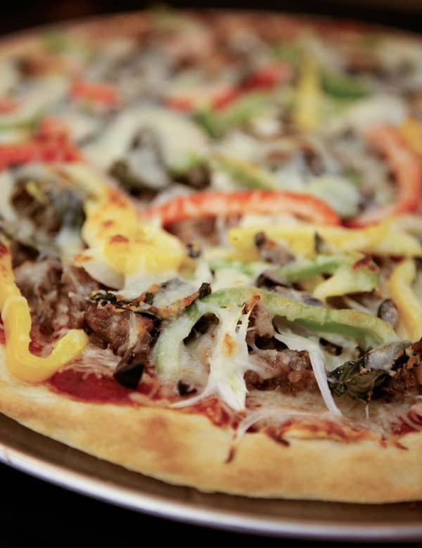 Italian Sausage and Peppers Pizza by EclecticRecipes.com #recipe