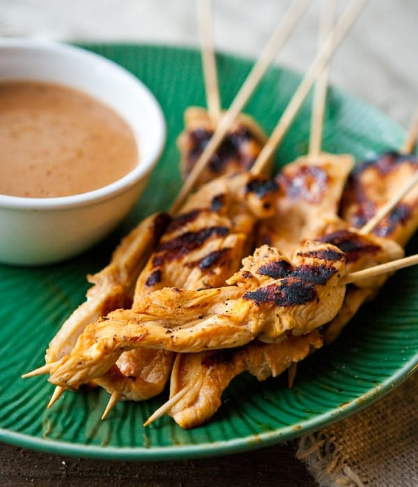 Grilled Chicken Satays with Peanut Dipping Sauce @EclecticEveryday