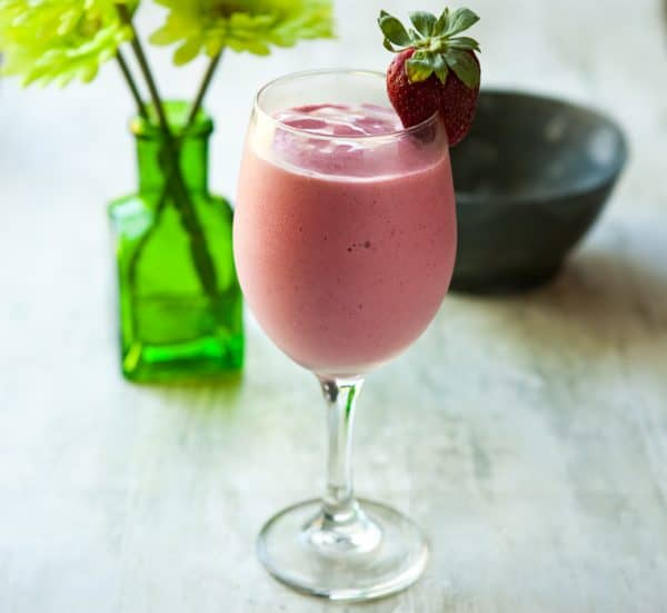 Simple Strawberry Smoothie by EclecticRecipes.com #recipe