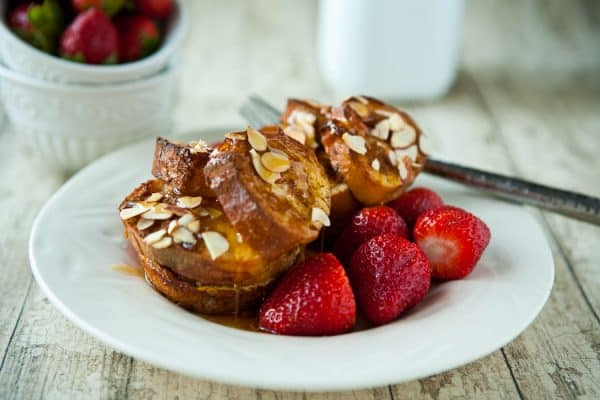 Boozy French Toast Cups @EclecticEveryday