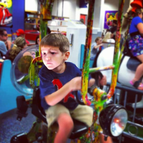 Chuck E. Cheese Fun @EclecticEveryday