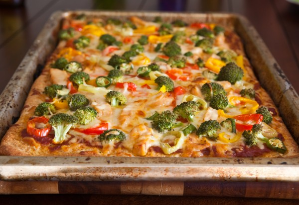 Grilled chicken, broccoli and Pepper pizza by EclecticRecipes.com #recipe