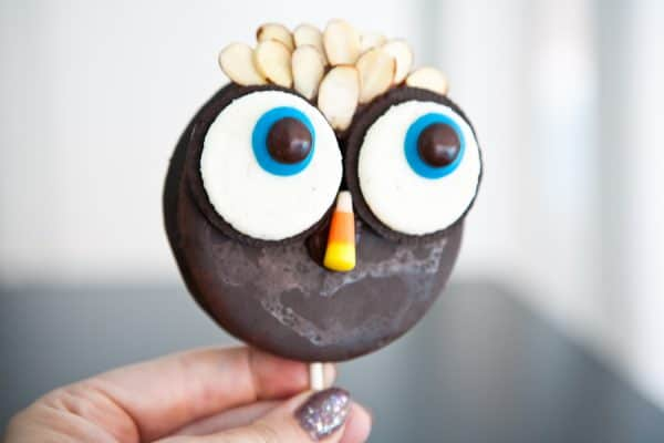Moon Pie Owl Pops by EclecticRecipes.com #recipe