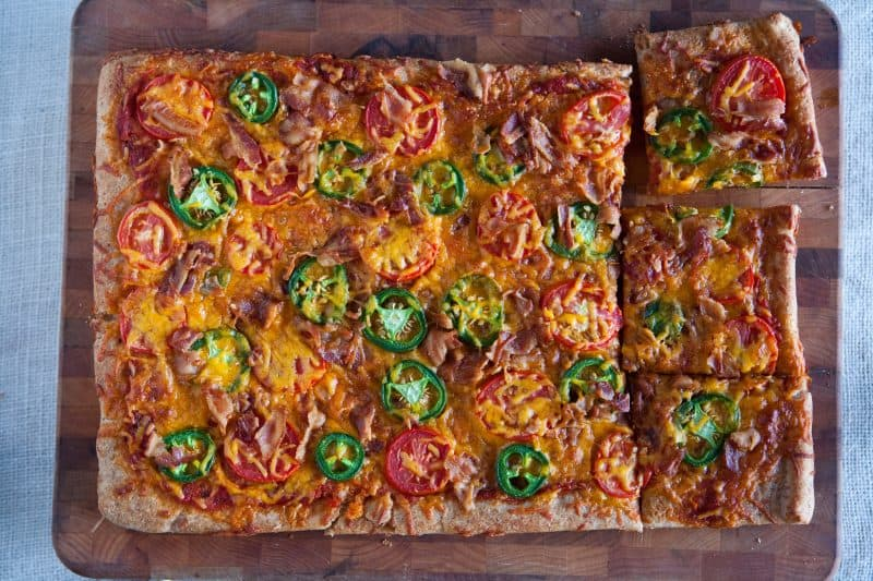 Eclectic Everyday » Bacon, Jalapeno and Tomato Pizza