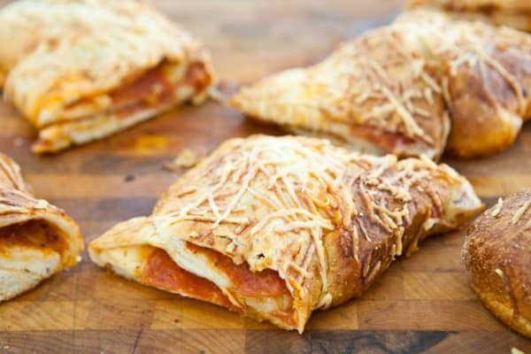 Pepperoni Pizza Twist {$150 Visa Card Giveaway} by EclecticRecipes.com #recipe
