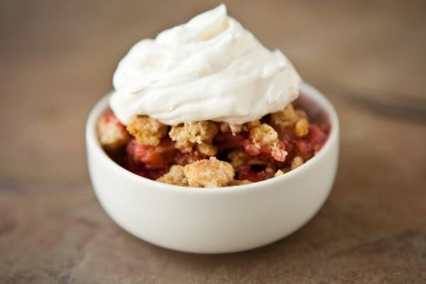 Strawberry Rhubarb Crisp @EclecticEveryday
