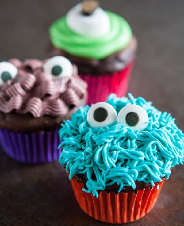 Monster Cupcakes @EclecticEveryday