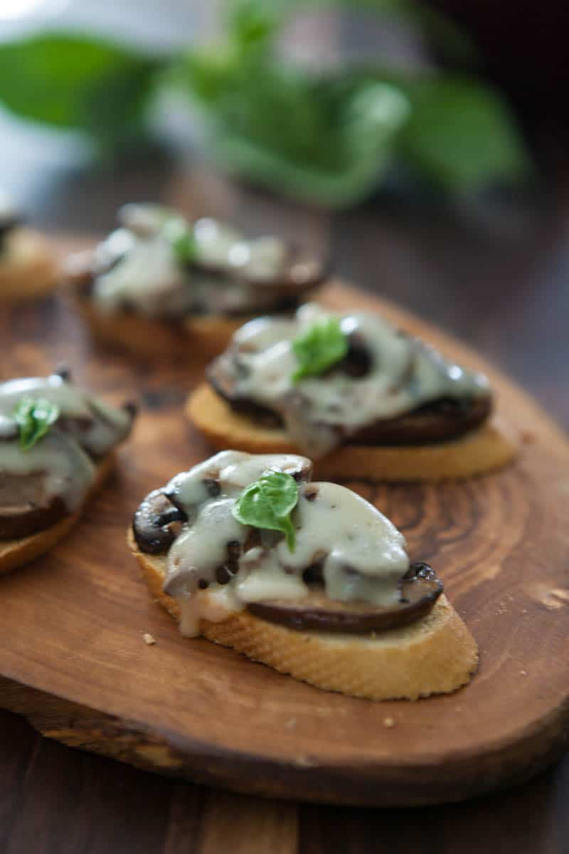 Eclectic Everyday » Mushroom and Swiss Crostini