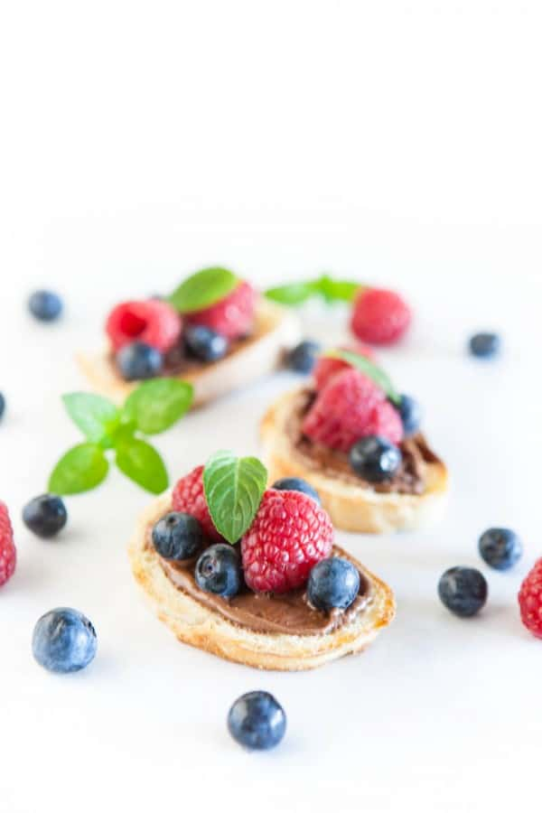 Nutella Berry Breakfast Bruschetta @EclecticEveryday