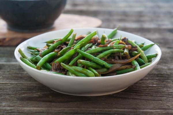 Florida Snap Beans with Caramelized onions and Mushrooms @EclecticEveryday