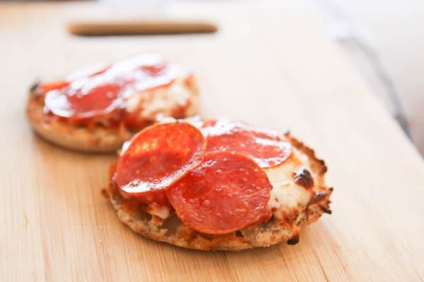 After School Snack Time: English Muffin Pizzas @EclecticEveryday