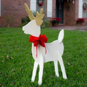 Christmas Reindeer and Angel Wooden Yard Decorations DIY @EclecticEveryday