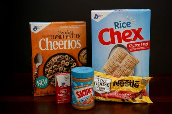 Chocolate Peanut Butter Cheerios™ Chex™ Muddy Buddies™ @EclecticEveryday