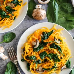 Butternut Squash Spirals with Spinach and Mushrooms @EclecticEveryday