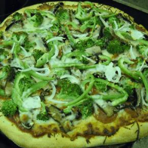 Broccoli and Portobello mushroom Pizza @EclecticEveryday