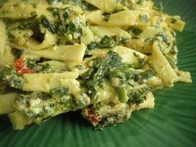 Sun-dried Tomato and Spinach Pasta Recipe