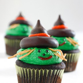 Witch Cupcakes 1