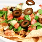 Blackened Chicken and Black Bean Nachos @EclecticEveryday
