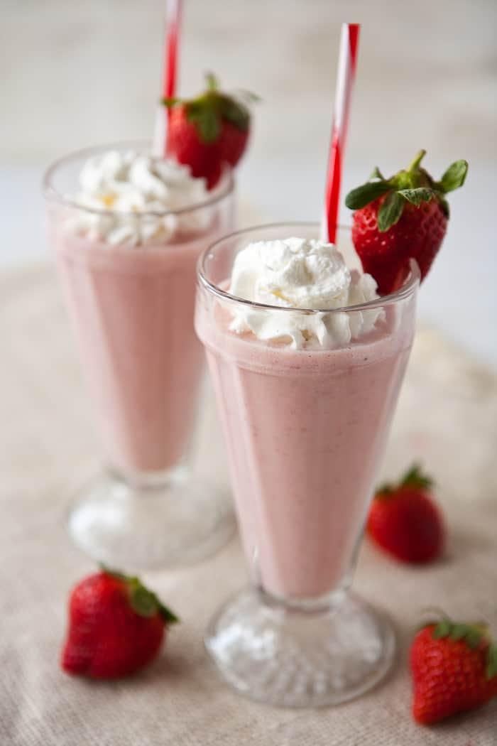 Banana Strawberry Milkshake Cake