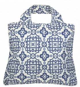 white and blue pattern bag