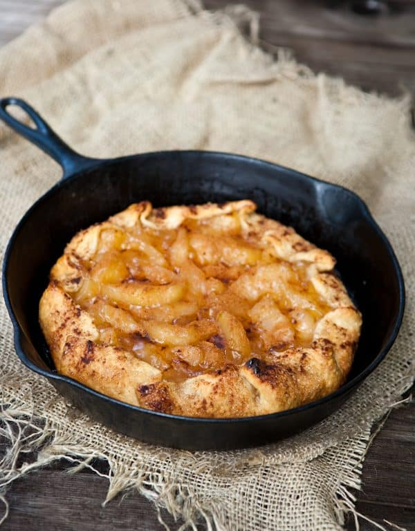 apples in skillet