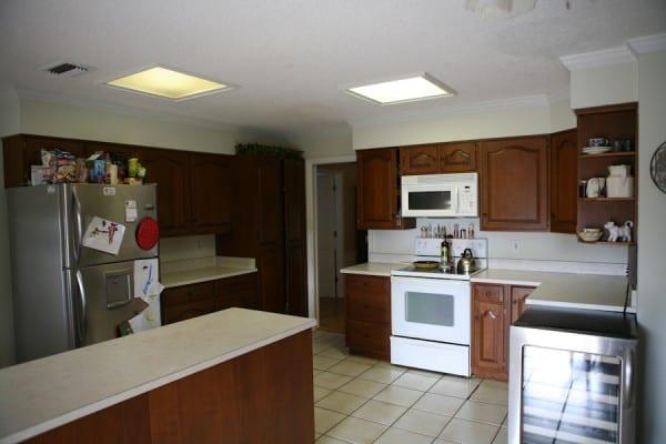 old-kitchen-2-600x400