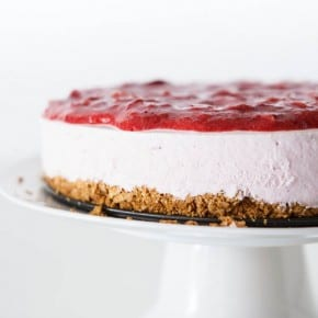 Yoplait®  Frozen Yogurt Strawberry Lemonade Pie 2