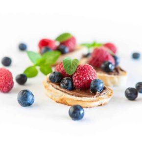 Nutella Berry Breakfast Bruschetta @EclecticEveryday