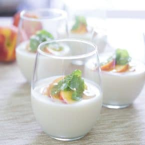 Peach and Honey Yogurt Panna Cotta @EclecticEveryday
