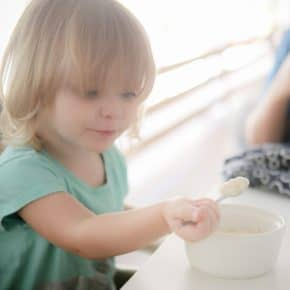 10 Tips for Feeding a Picky Toddler @EclecticEveryday