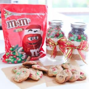 {Gift Idea} M&M'S® Sprinkle & Chocolate Chip Cookie Jar Mix   2 Recipes! @EclecticEveryday