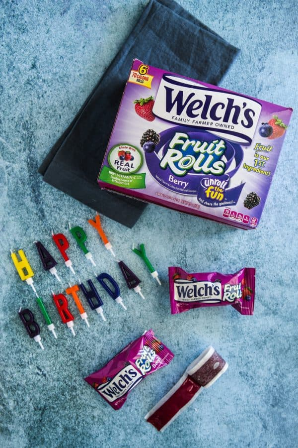 welch's fruit rolls box with single containers