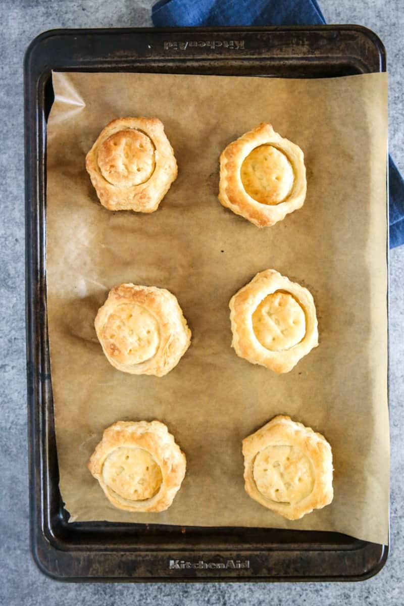 uncut puff pastries