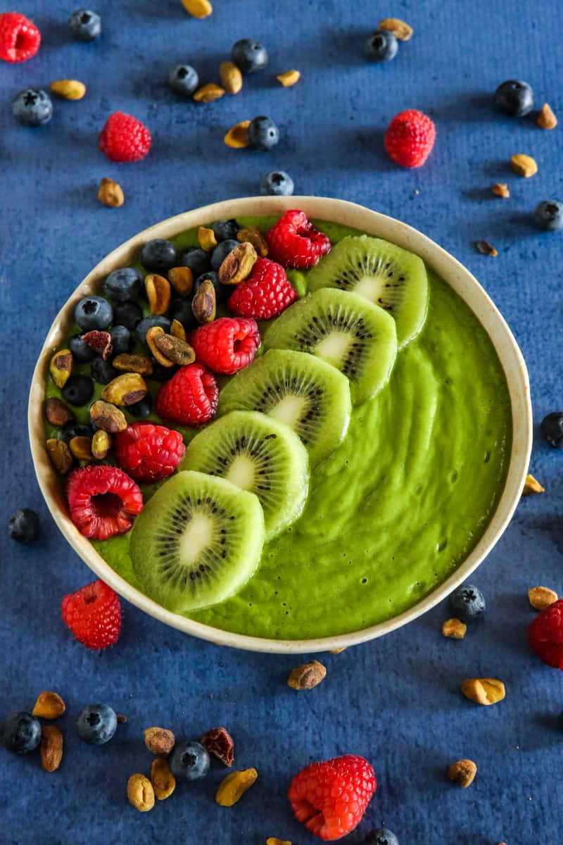 kiwi and berry smoothie