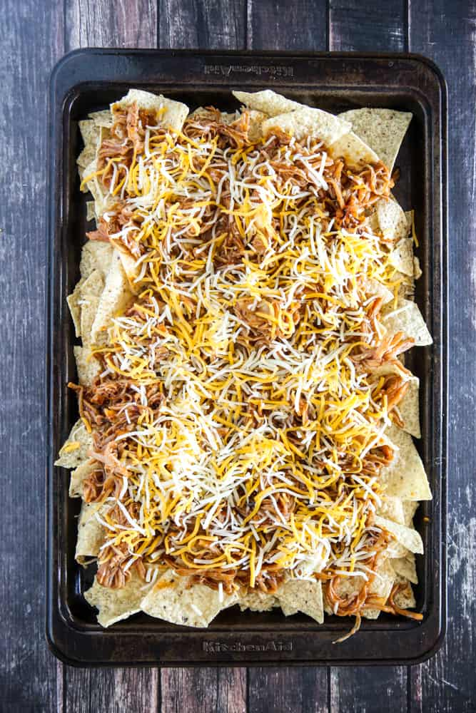 chips with pulled pork and cheese