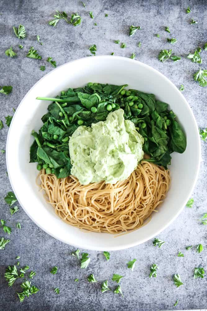 spaghetti with avocado sauce