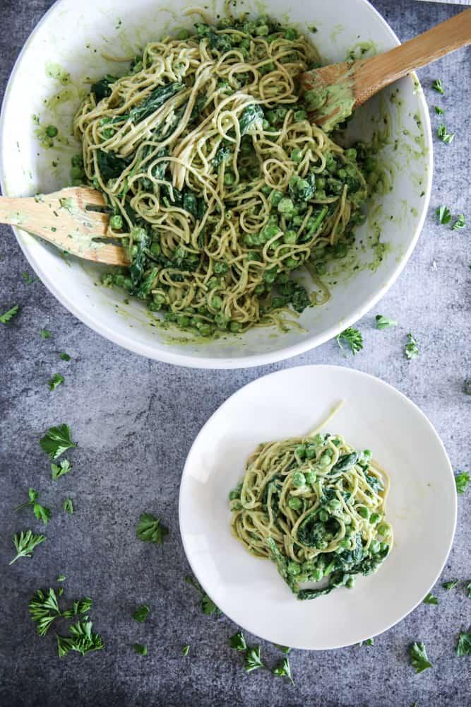 Avocado Whole Wheat Spaghetti with Peas and Spinach Recipe