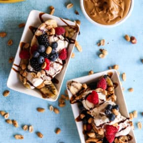 Grilled Peanut Butter and Chocolate Banana Splits by Eclectic Recipes